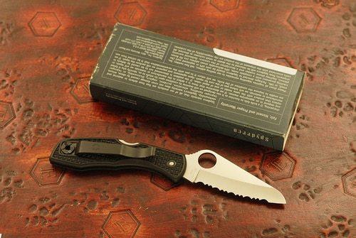 Фото 7 - Нож складной Salt 1 - Spyderco C88SBK, сталь H1 Satin Serrated, рукоять термопластик FRN, чёрный