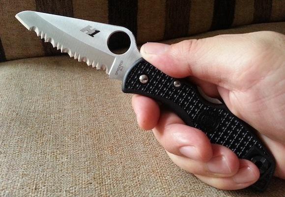 Фото 6 - Нож складной Salt 1 - Spyderco C88SBK, сталь H1 Satin Serrated, рукоять термопластик FRN, чёрный