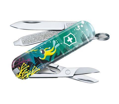 Складной нож Victorinox Classic LE2020 Deep Dive, 58 мм 7 функций. Вид 1
