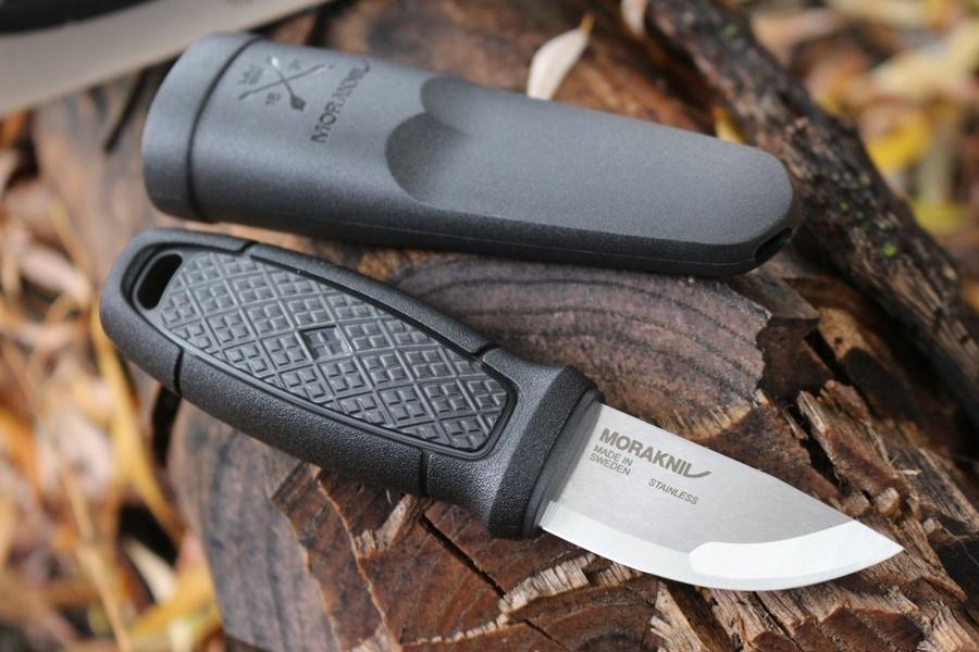 Фото 9 - Нож с фиксированным лезвием Morakniv Eldris, сталь Sandvik 12С27, рукоять пластик, черный