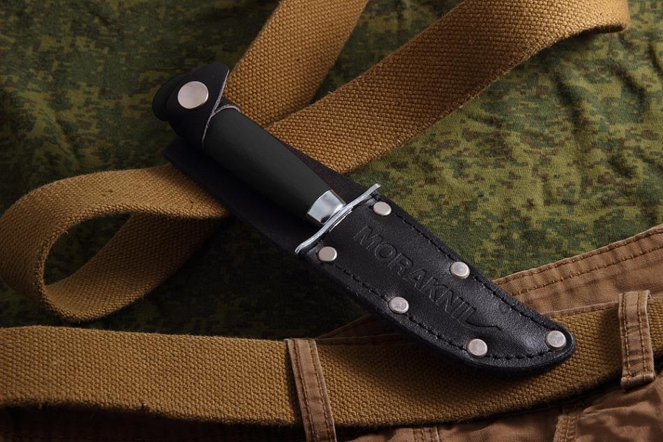 Фото 4 - Нож с фиксированным лезвием Morakniv Scout 39 Safe Black, сталь Sandvik 12C27, рукоять береза, черный