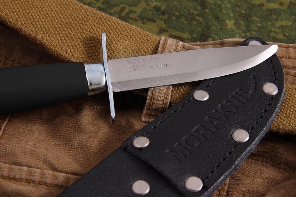 Фото 6 - Нож с фиксированным лезвием Morakniv Scout 39 Safe Black, сталь Sandvik 12C27, рукоять береза, черный