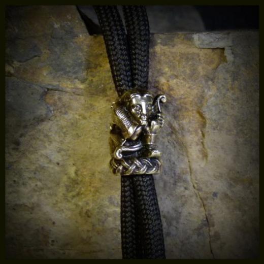 Бусина для темляка Охотник бусина перламутр коричневый листик 15 31 мм 1 шт