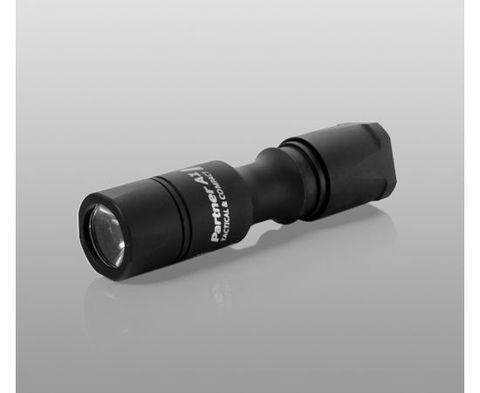 Фонарь светодиодный тактический Armytek Partner A1 v3, 600 лм, аккумулятор. Вид 3