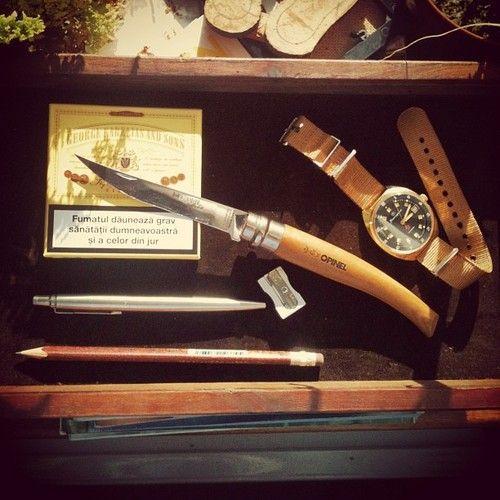 Фото 4 - Нож складной филейный Opinel №15 VRI Folding Slim Beechwood