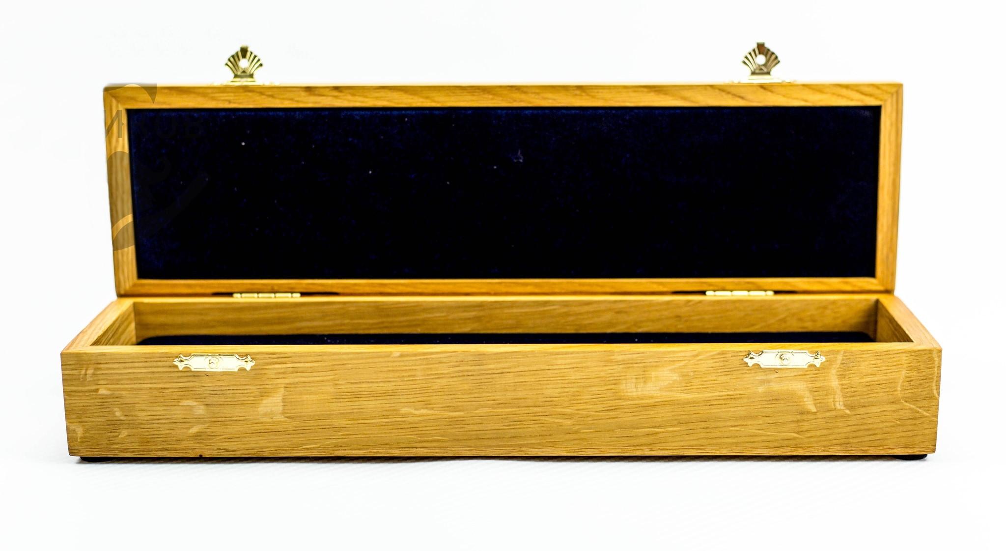 Шкатулка для ножа дуб, бесцветное масло от Фабрика деревянных футляров