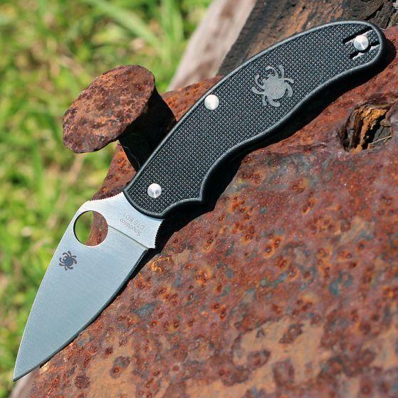 Фото 8 - Нож складной UK Penknife Spyderco 94PBK, сталь Carpenters CTS® BD1 Alloy Satin Plain, рукоять термопластик FRN, чёрный