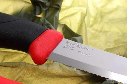 Нож с фиксированным лезвием Morakniv Companion F Rescue, сталь Sandvik 12С27, рукоять резина/пластик. Вид 4