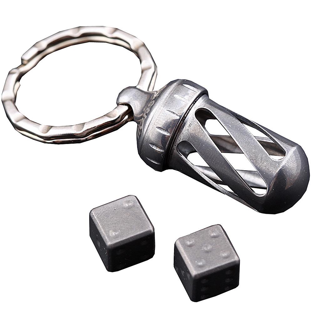 Брелок-капсула с игральными кубиками Acorn Dice Gray Titanium музыкальная игрушка в виде черепашки с кубиками черепашка умняшка с кубиками
