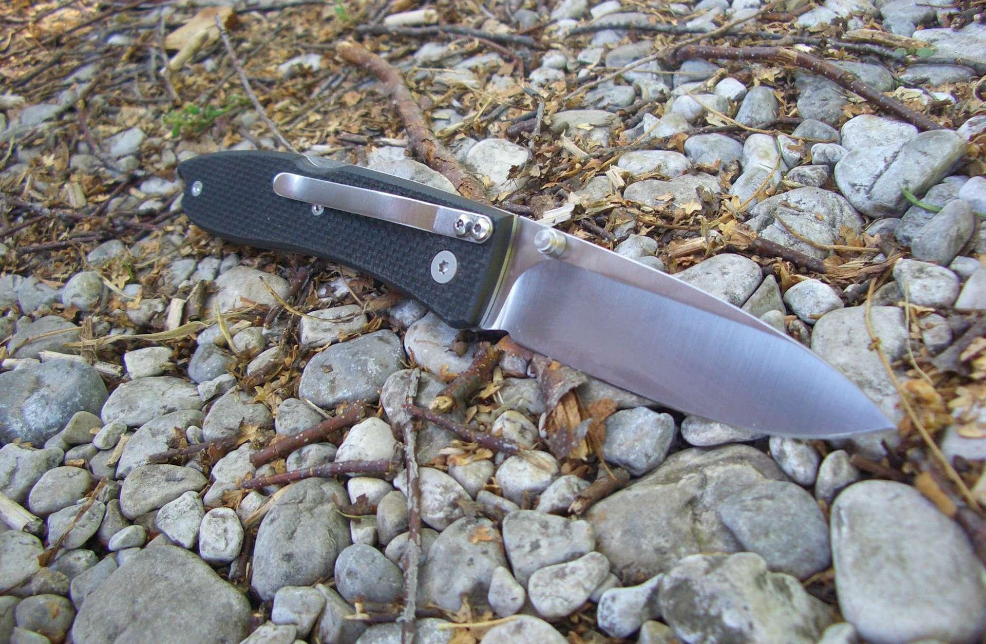 Фото 3 - Нож складной LionSteel 8800 BK Opera, сталь D2 Tool Steel, рукоять стеклотекстолит G-10, черный от Lion Steel