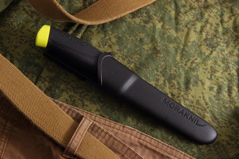 Фото 9 - Нож с фиксированным лезвием Morakniv Fishing Comfort Fillet 090, сталь Sandvik 12C27, рукоять резина/пластик