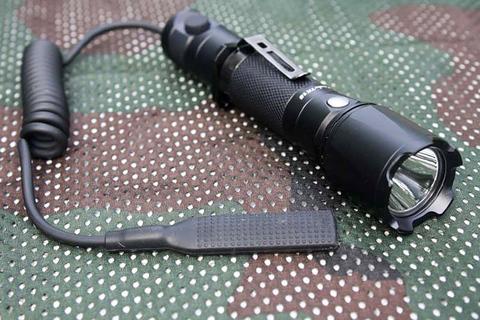 Фонарь Fenix TK15UE CREE XP-L HI V3 LED Ultimate Edition. Вид 8