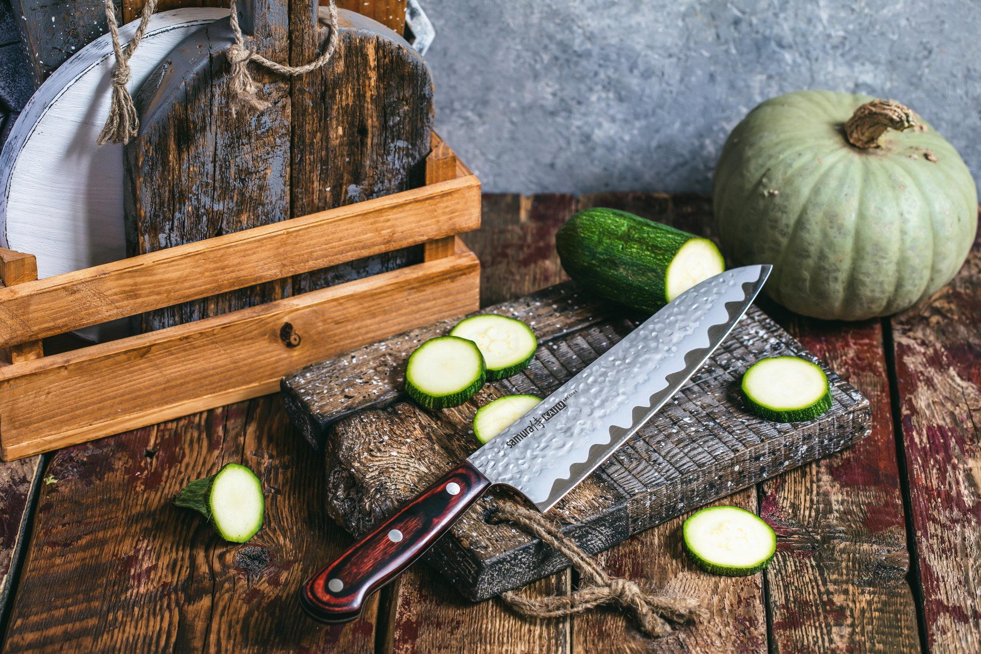Фото 8 - Нож кухонный Samura KAIJU Шеф - SKJ-0085, сталь AUS-8, рукоять дерево, 210 мм