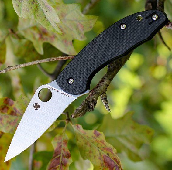Фото 5 - Нож складной MANTRA 3 Spyderco C233CFP, сталь Crucible CPM® S30V™ Satin Plain, рукоять карбон/стеклотекстолит G10, чёрный