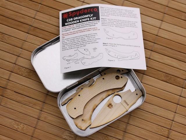 Фото 11 - Сувенирный складной нож (дерево) Dragonfly Wooden Kit, WDKIT1 от Spyderco