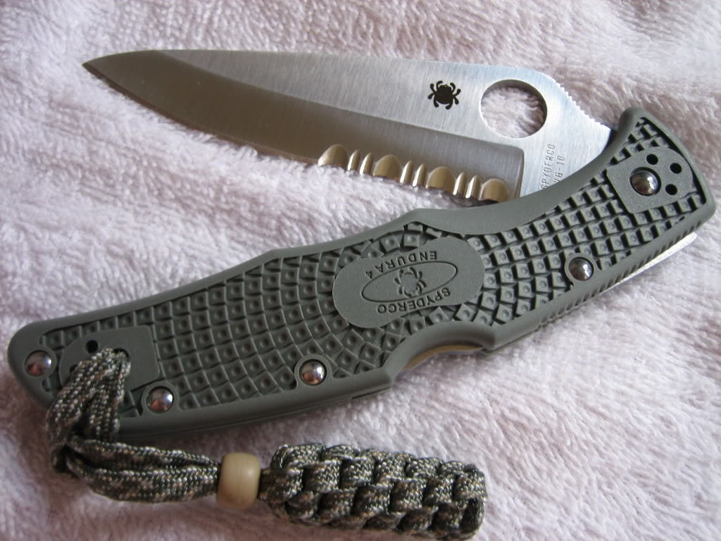 Фото 10 - Складной нож Spyderco Endura 4 - 10PSFG, сталь VG-10 Satin Combo, рукоять термопластик FRN зелёная (foliage green)