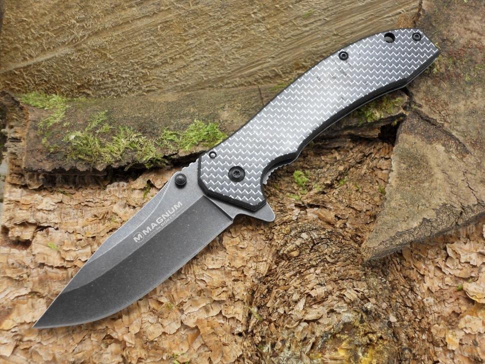 Фото 8 - Нож складной Magnum Aircraft Engineer, сталь 440А BlackWash™ Plain, рукоять карбон, серый, BOKER 01SC318