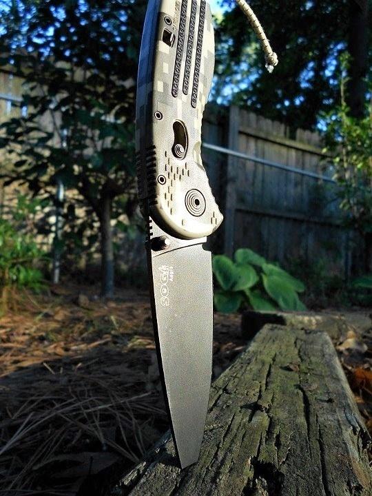 Фото 9 - Складной нож с фиксатором Aegis Digi Camo 8.9 см. - SOG AE06, сталь AUS-8, рукоять пластик GRN