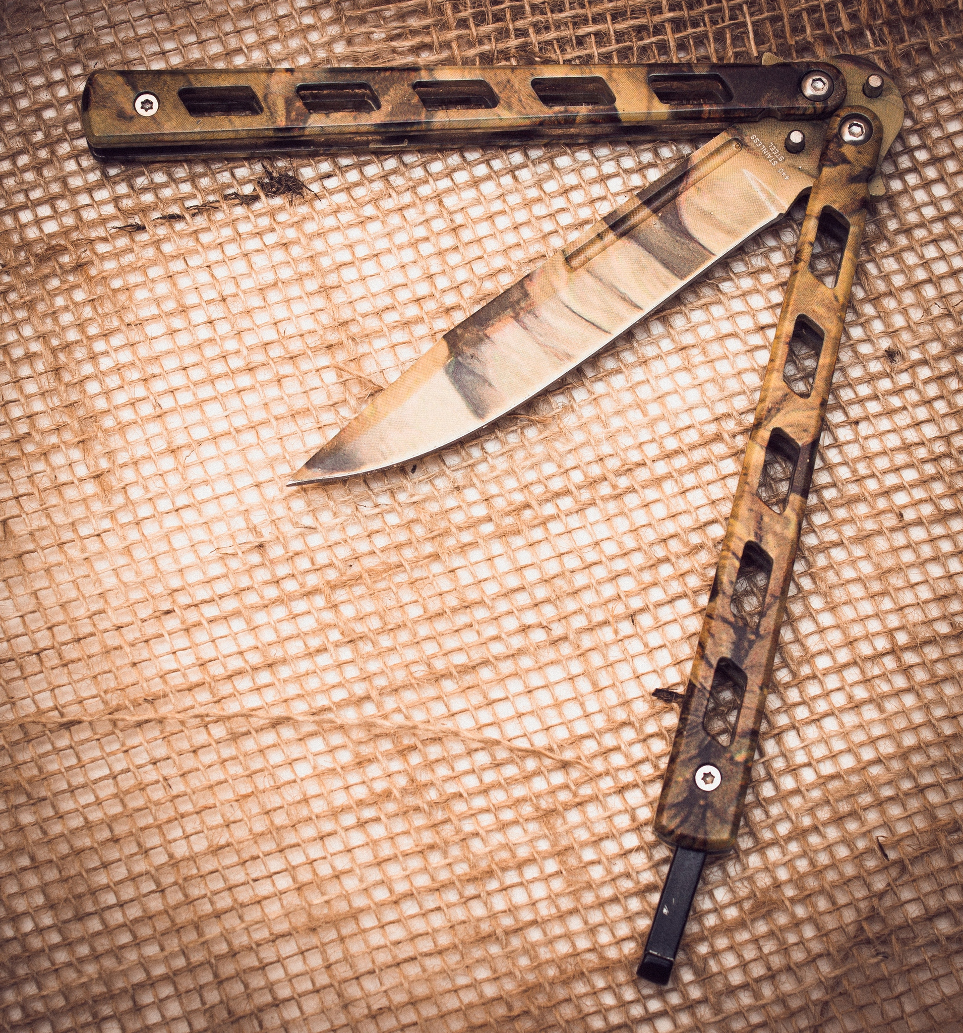 Нож-бабочка (балисонг) Пустынный орел нож бабочка балисонг бэтмен