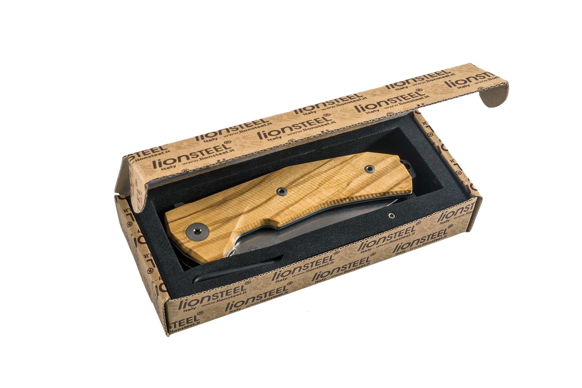 Фото 4 - Нож складной LionSteel KUR BUL Olive Wood, сталь Stonewashed & PVD-Coated Uddeholm Sleipner®, рукоять оливковое дерево от Lion Steel