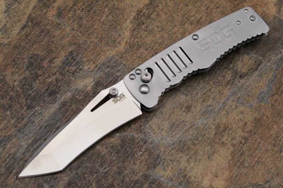 Фото 3 - Складной нож Targa Satin - SOG TG1001, сталь VG-10, рукоять нержавеющая сталь, серый