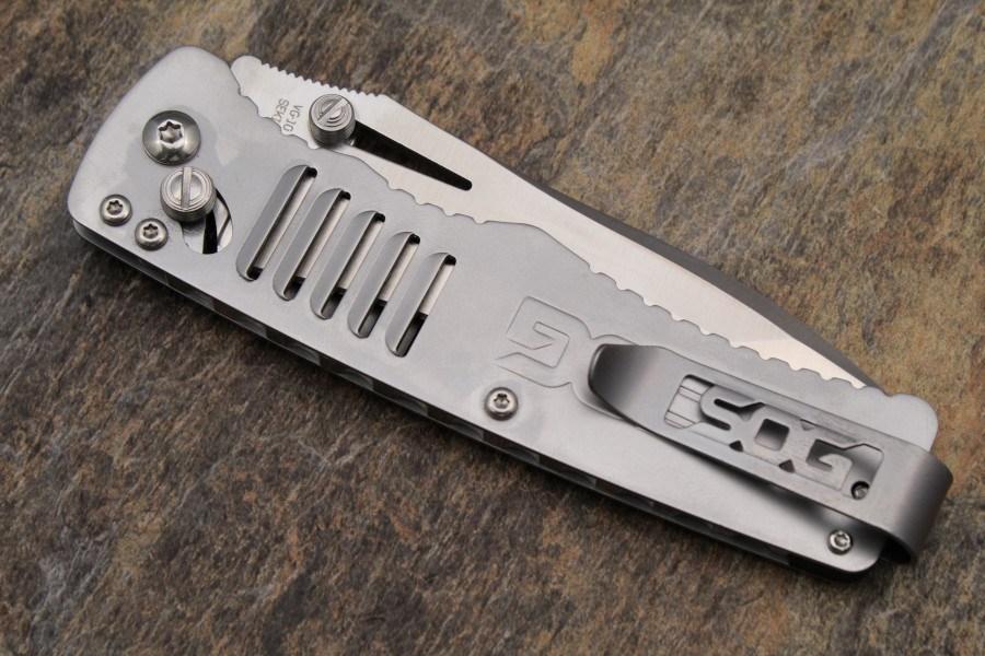 Фото 4 - Складной нож Targa Satin - SOG TG1001, сталь VG-10, рукоять нержавеющая сталь, серый