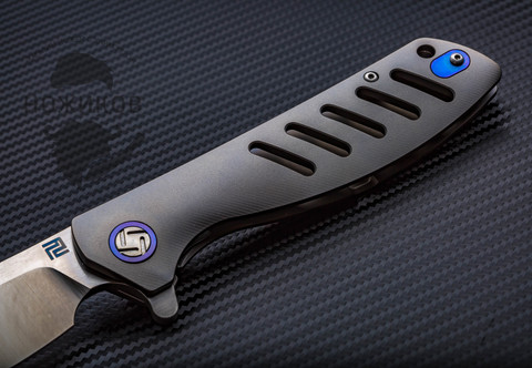 Складной нож Artisan Tomahawk, сталь S35VN, титан. Вид 2