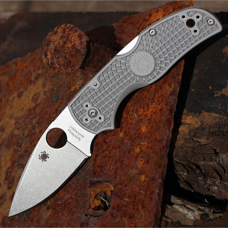 Фото 4 - Нож складной Native Spyderco 41PGY5, сталь Carpenter CTS™ - Maxamet® Micro-Melt® Alloy Satin Plain, рукоять термопластик FRN, серый