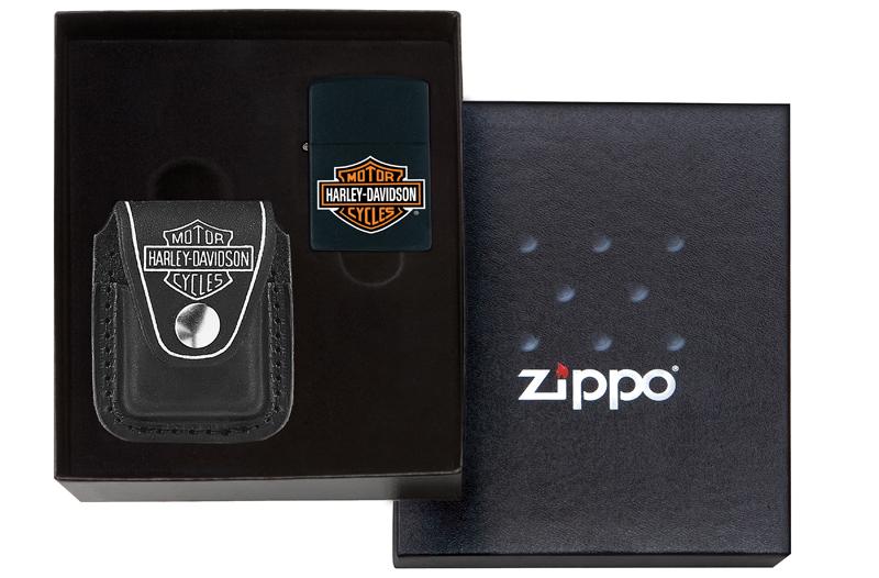 Набор ZIPPO Harley-Davidson®: зажигалка 218HD.H252 и чехол HDP6 в подарочной коробке фото