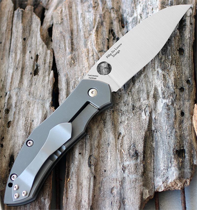Фото 7 - Нож складной Myrtle - Spyderco C194CFTIP, сталь CPM® S30V Satin Plain, рукоять титан/карбон
