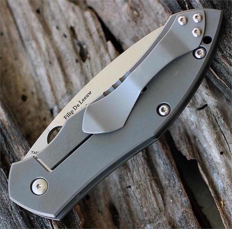 Фото 9 - Нож складной Myrtle - Spyderco C194CFTIP, сталь CPM® S30V Satin Plain, рукоять титан/карбон