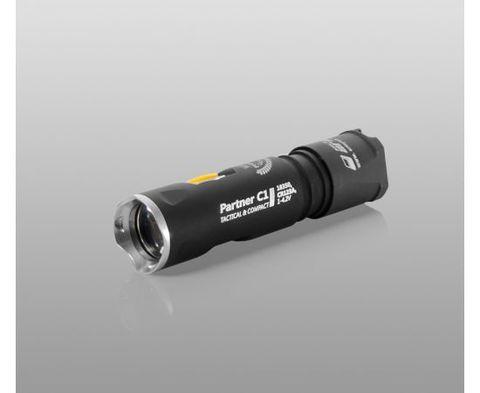 Фонарь светодиодный тактический Armytek Partner C1 Pro v3, 800 лм. Вид 3