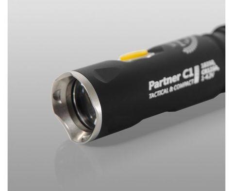 Фонарь светодиодный тактический Armytek Partner C1 Pro v3, 800 лм. Вид 4