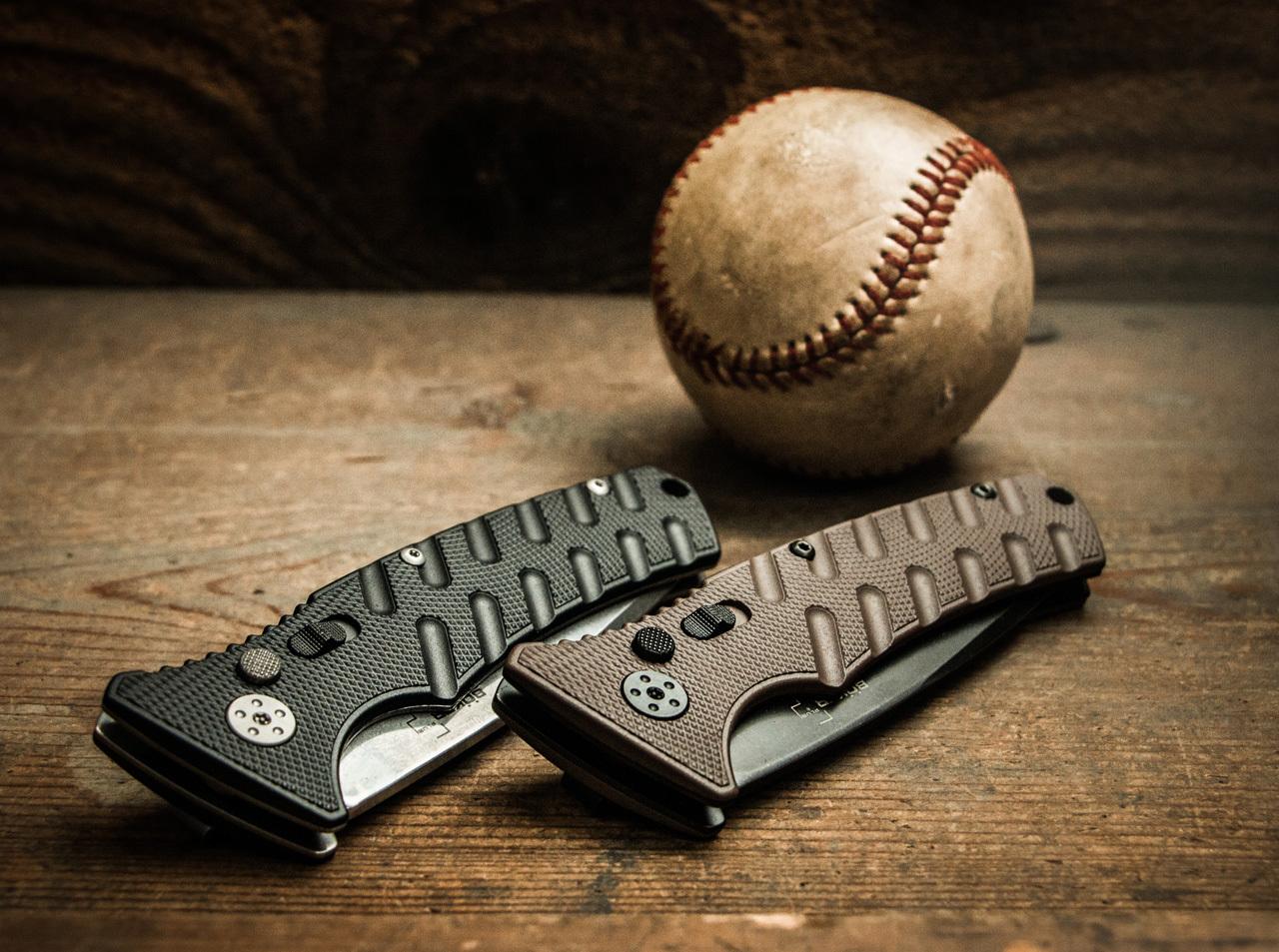 Фото 10 - Полуавтоматический складной нож Boker Plus Strike Coyote Spearpoint, сталь AUS-8 BlackWash™ Plain, рукоять анодированный алюминий, BK01BO424