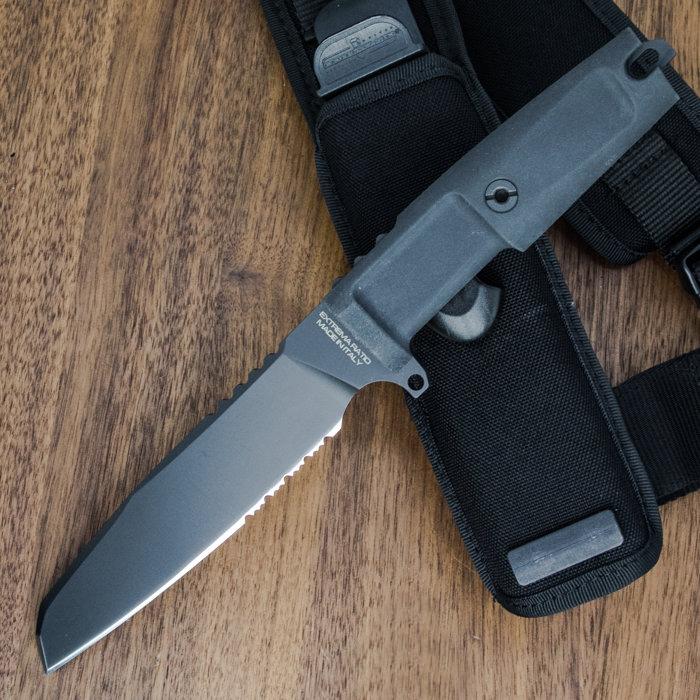 Фото 11 - Нож с фиксированным клинком Extrema Ratio Task Black 1/3 Serrated, сталь Bhler N690, рукоять прорезиненный форпрен
