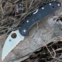 Нож складной Delica 4 Lightweight Spyderco 11FSWCBK, сталь VG-10 Satin Serrated Wharncliffe, рукоять термопластик FRN, чёрный, фото 2