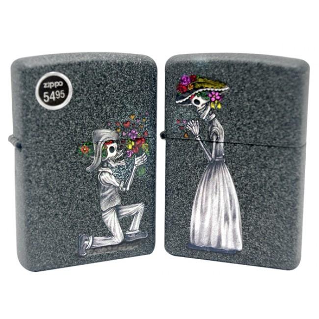 Набор ZIPPO Влюбленные зомби из двух зажигалок с покрытием Iron Stone™, серые, матовые фото